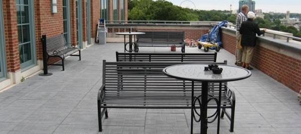 OCC Outdoors park benches at Niagara Falls