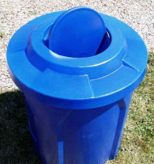 42 Gallon Round Plastic Trash Receptacle with Bug Resistant Top